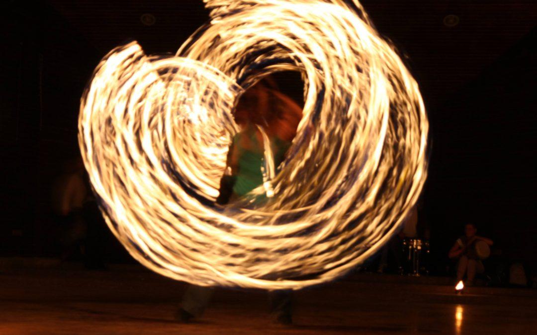 Петя Божинова и изкуството да танцуваш с огъня