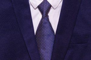 suit-2821383_1920